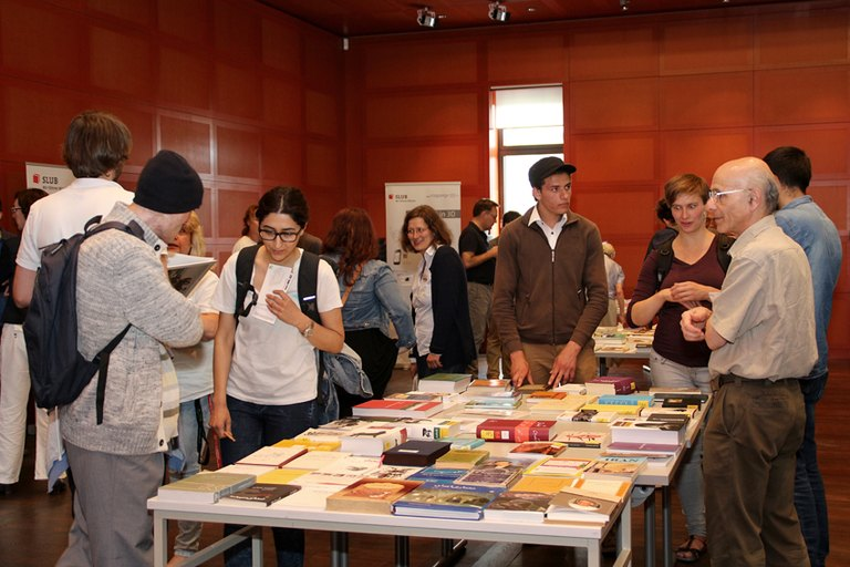 Rundum Buch / All around books Foto: Patrizia Di Benedetto