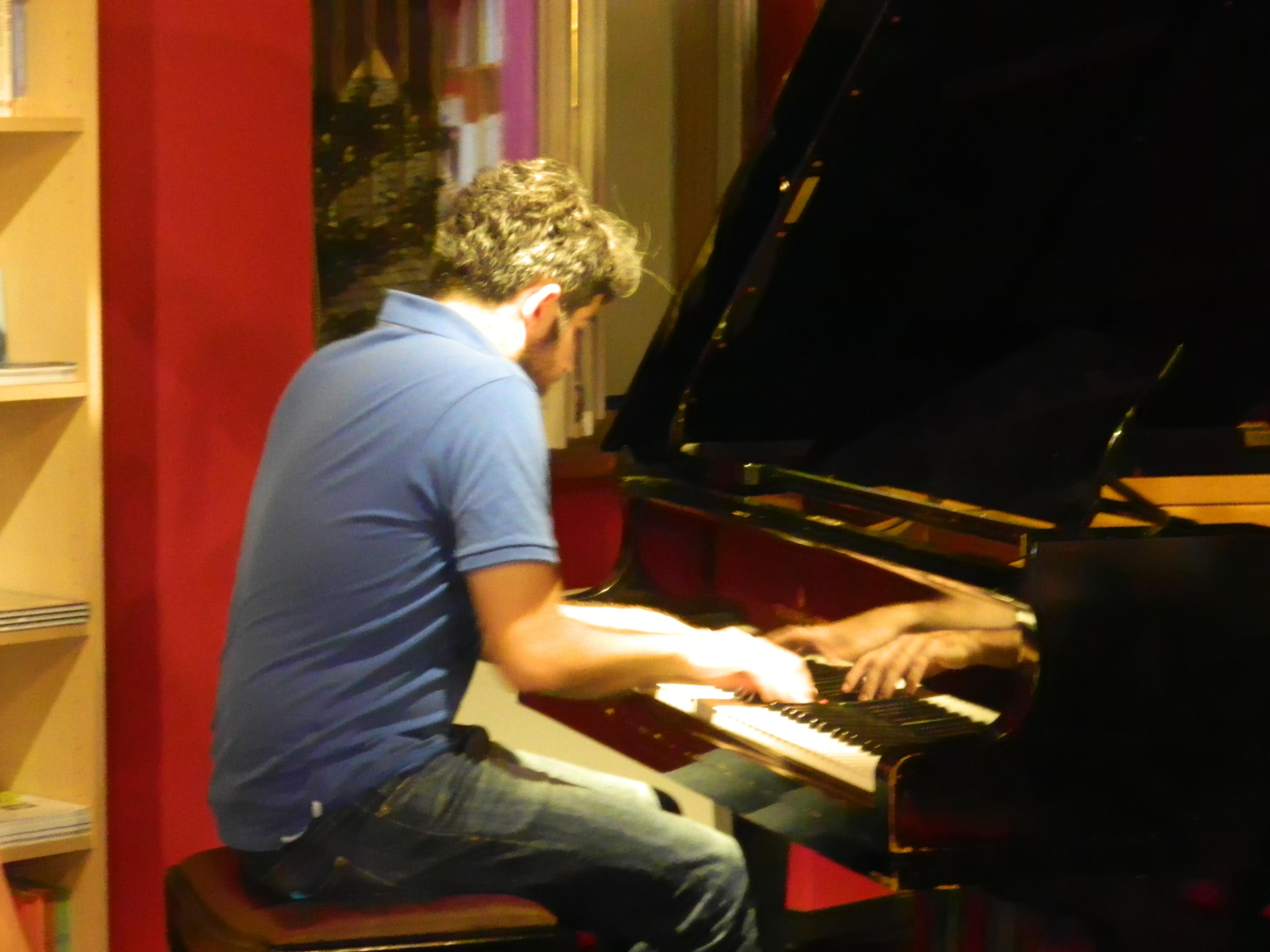 Klavierspiel.JPG